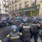 Francia 100 mila in piazza