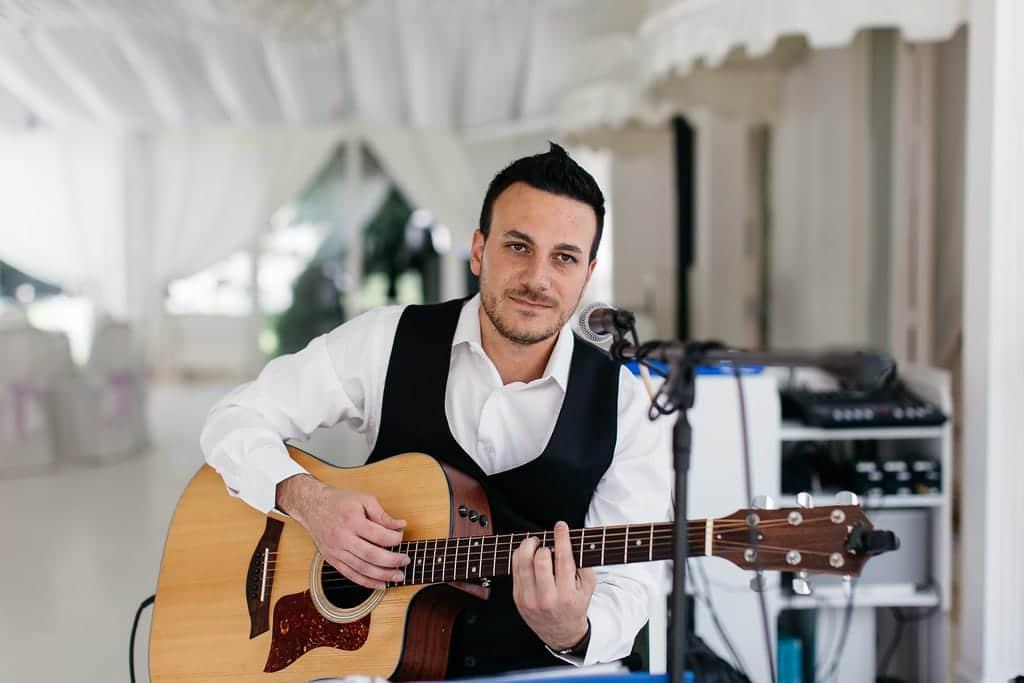 L'iniziativa solidale del musicista Gabriele Ciambrone per l'Ospedale Papa Giovanni XXIII.